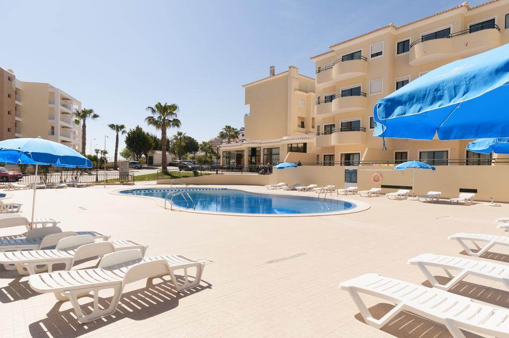 Summer 5 night stay in well rated aparthotel in algarve for Appart hotel dusseldorf