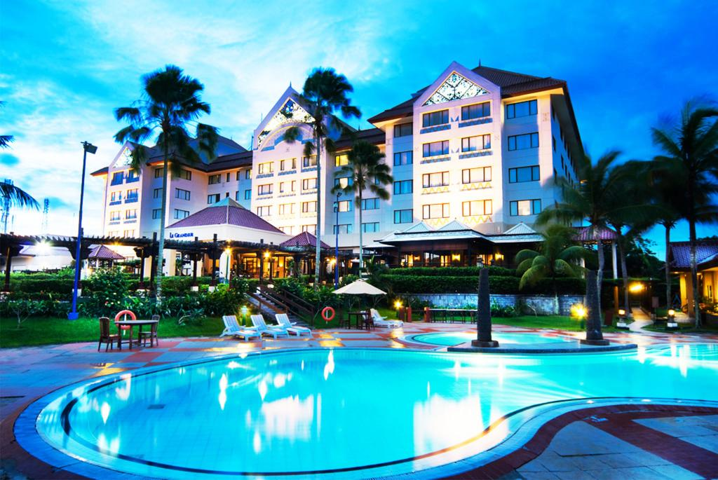 Superior double room at 4* beach hotel in Borneo for €15 ...