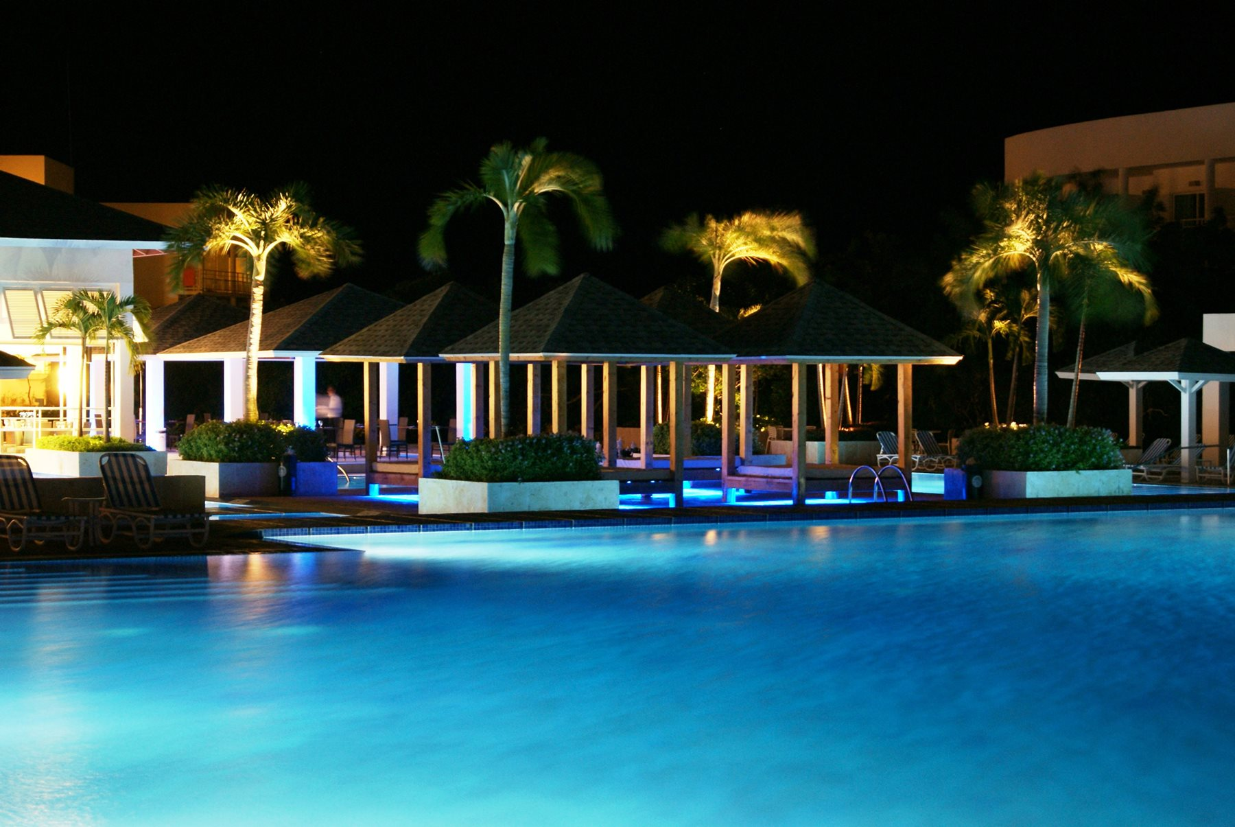 Valentin-Perla-Blanca-Pool-Night-001