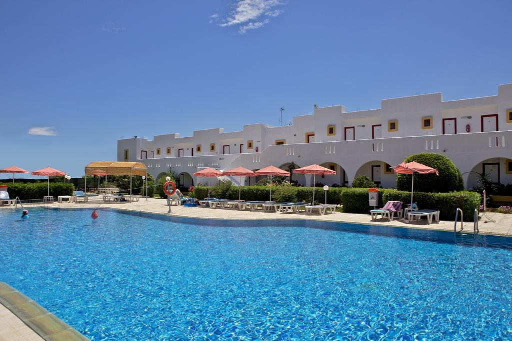 7 Night Stay In Well Rated Hotel On Splendid Kos With Breakfasts Flights From Scotland For
