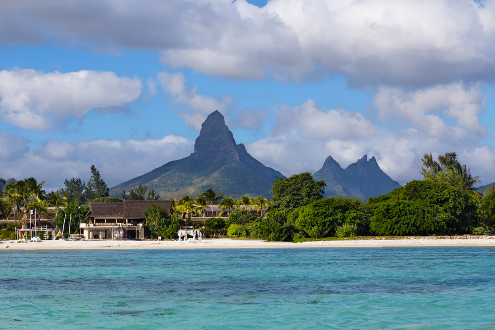 2 weeks at top rated apartment hotel in mauritius flights from spain for only 534 - Flights to port louis mauritius ...