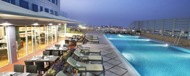 Bed+breakfast stay in deluxe room of splendid 5* Dubai hotel with rooftop pool for €35.50 per person!
