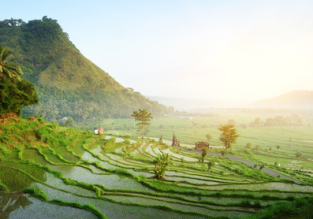 Discover stunning Bali! 9-night B&B stay in very well-rated hotel + flights from Beijing for $299!