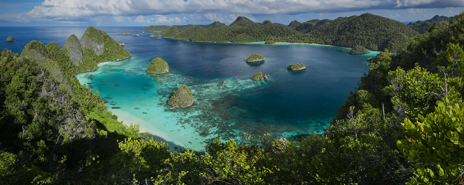 UK to mega exotic Papua New Guinea and the Philippines in one trip for £530!