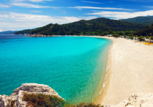 JUNE: 7-night stay at well-rated hotel in Halkidiki peninsula + cheap flights from London from just £131!