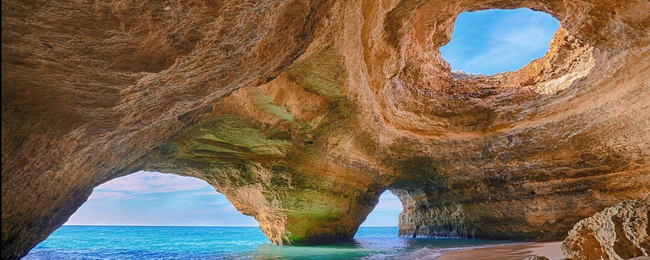 JULY: 7-night stay in well-rated hotel with breakfasts in Algarve + flights from London for £221!