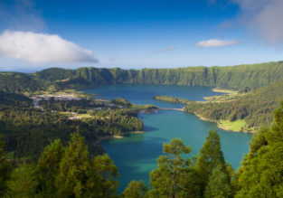 PEAK SUMMER! Cheap flights from Manchester to Azores from only £55!