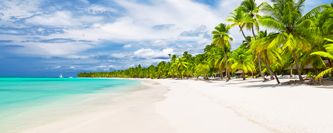 HIGH SEASON! 7-night stay at well-rated & beachfront aparthotel in Dominican Republic + direct flights from Boston or New York from just $456!