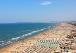7-night stay at well-rated & beachfront hotel & spa in Rimini + flights from London for £122!