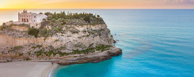 7 night stay in a top-rated 4* hotel in Calabria, Italy + flights from Hamburg for just €152!