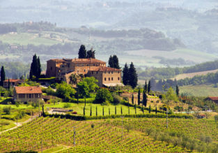 AUGUST: 4-night stay in top-rated property in the Tuscany countryside + flights from Paris for just €142!