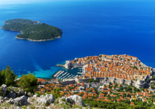 JULY! 7-night stay at well-rated apartment in Duvbrovnik riviera + cheap flights from France for just €152!