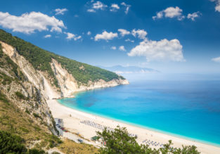 MAY! 7-night stay at top-rated hotel on Kefalonia island, Greece + cheap flights from London for just £128!