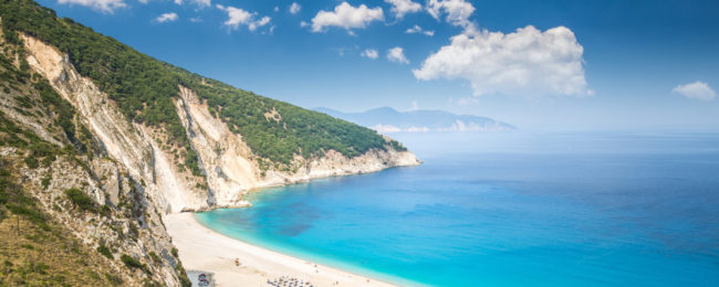 7-night stay at well-rated aparthotel in Kefalonia island, Greece + cheap flights from London for just £126!