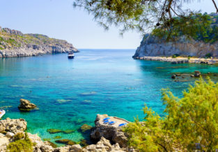 Spring break on Rhodes! 7-night stay at very well-rated hotel + cheap flights from Brussels for just €135!