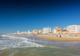 MAY: 3-night stay in a well-rated beachfront hotel in Lido di Jesolo with breakfasts + flights from Stockholm for €123!