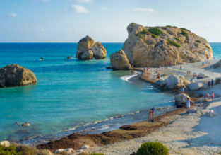 Cheap flights from Vienna to Cyprus or Greece for only €30!