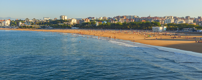 SUMMER: Flights from Dusseldorf + 3-night stay in top-rated hotel in Santander for €118!