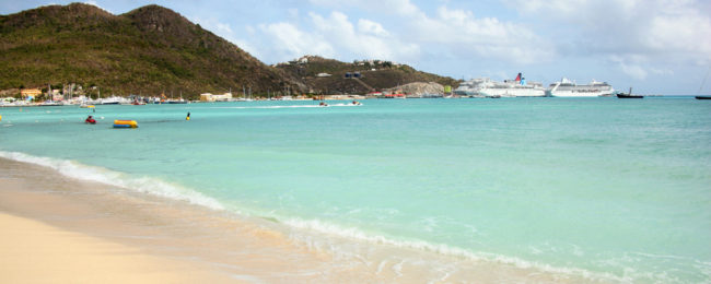 High season holiday in Sint Maarten! 7 nights top rated 4* beach resort + direct flights from Paris for €419!
