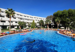 JUNE: 4 nights in excellent 4* apartment resort on Mallorca + flights from London for £120!