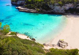 7-night stay in well-rated aparthotel in Mallorca + flights from London for only £141!