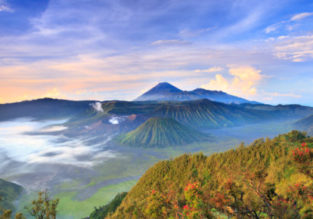 5-night stay in top-rated 4* Mercure hotel in East Java + flights from Singapore for $162!