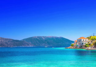 7-night stay in top-rated sea view apartment in Kefalonia + flights from Milan for only €91!