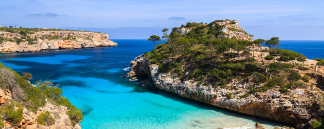 7-night stay at 4* beachfront resort in Mallorca + flights from London for only £100!