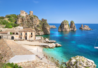 All Inclusive 7 night-stay in beachfront 4* hotel in Sicily + flights from Amsterdam from €299!