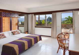 Summer! B&B stay in top-rated 4* hotel in Tenerife from €42 / $47!
