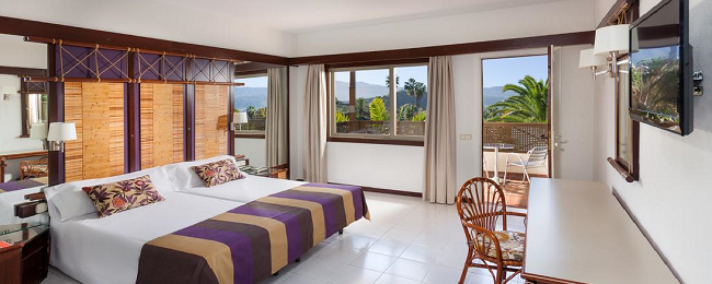 Bed+breakfast stay at amazing 4* hotel on Tenerife for €18/ $19 per person!