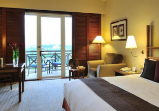 Deluxe double room at excellent 5* hotel in Malaysia for €33! (€16/ $19 per person)