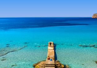 Package holiday: 5 nights at well-rated beach hotel in Mallorca + flights from London for only £87!