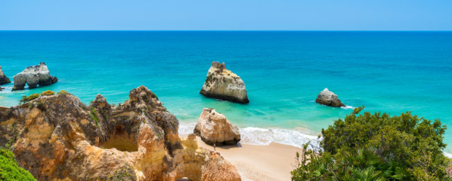 MAY! 7 nights in well-rated aparthotel in sunny Algarve + flights from Dusseldorf Weeze from just €94!