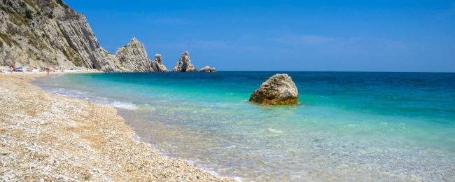 4-night B&B stay at beachfront hotel on Italian Adriatic coast + cheap flights from Germany for just €96!