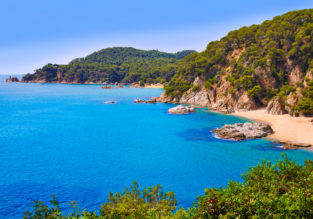 7-night B&B stay on Costa Brava + flights from London for only £163!