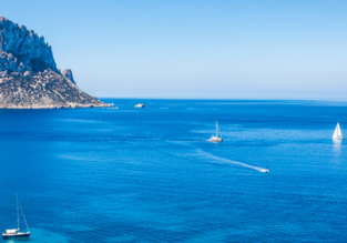 Cheap flights from Barcelona to Ibiza, Majorca or Menorca for just €4 one-way!