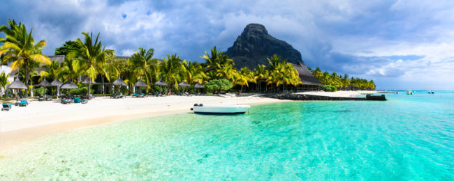 Double room at superb luxury beach resort & spa in Mauritius for €78! (€39/ $45 per person)
