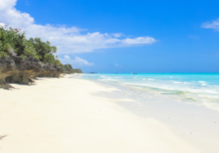 Exotic getaway! 7 nights in top-rated beachfront hotel in Zanzibar + flights from Paris for only €425!