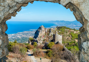Weekend on Cyprus! 3-night stay at 4* hotel & spa + flights from Bucharest for only €64!