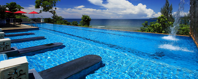 HOTEL MISPRICE: Bed+breakfast stay in deluxe double room of 4* beach resort in Phuket for €4 per person!