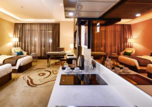 Superior suite (50 m²) at centrally located 5* hotel in Kuala Lumpur for only €19/ $20 per person!