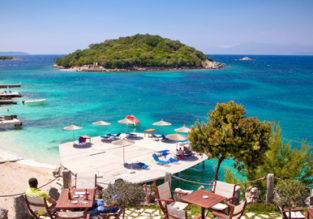 Albania Escape! 7-night B&B stay in top-rated beach hotel in Sarande + flights from Budapest and car rental for €125!