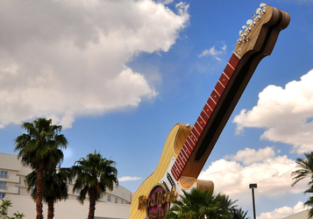 Deluxe Room in 4* Hard Rock Hotel & Casino Las Vegas for just €18 / £16 / $20 per person!