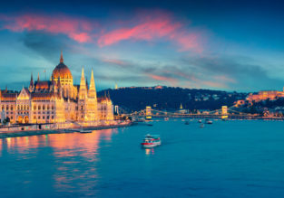 Budapest escape! 4 nights in top-rated 4* Ms Cezanne boat hotel + flights from Edinburgh for just £108!