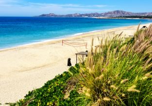 7 nights at top-rated hotel in Baja California + flights from Washington for $453!