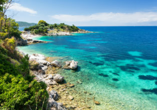 7-night stay in top-rated hotel on Corfu + flights from London for only £177!