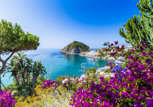 4-night stay at 4* hotel on enchanting Italian island of Ischia with breakfasts + flights from Kaunas for just €142!