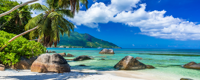 X-mas and New Year! Qatar Airways flights from Izmir to the Seychelles for only €354!