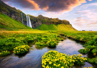 SPRING! Non-stop flights from many US cities to Iceland from only $189!